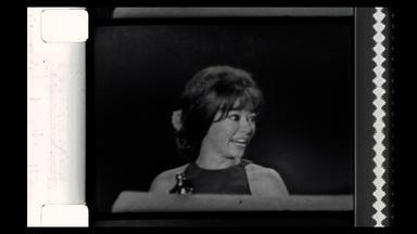 Rita Moreno gives one of the shortest Oscars speeches ever