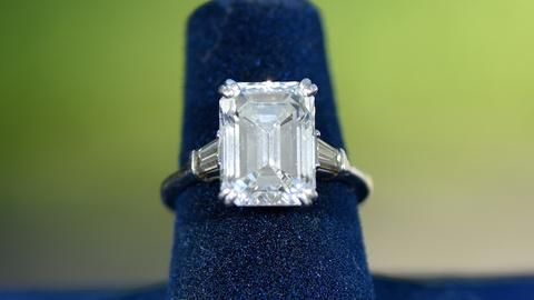 S24 E15: Appraisal: Van Cleef & Arels Diamond Ring, ca. 1970