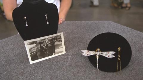 Antiques Roadshow -- S21 Ep25: Appraisal: Spanish Earrings & Dragonfly Brooch