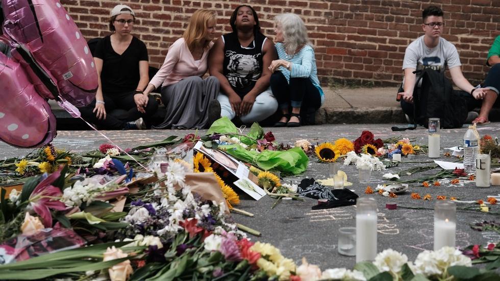 How should U.S. address white supremacist extremism? image