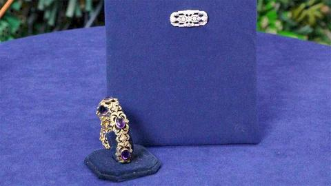 S24 E11: Appraisal: Victorian Bracelet & Art Deco Brooch