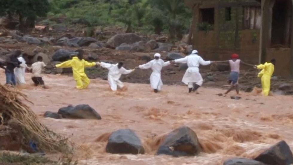 News Wrap: Sierra Leone rescue crews battle mudslide image