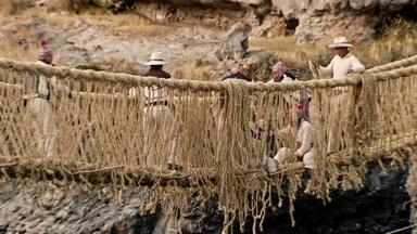Weaving Grass Bridges