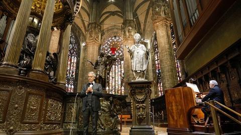"""S47 E19: Andrea Bocelli's """"Ave Maria"""""""