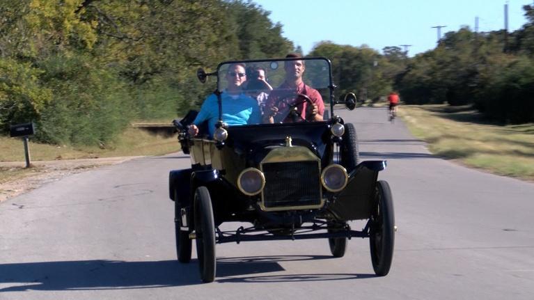 My Kind of Art: Lilleker Antique Auto