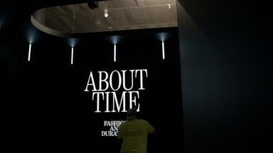 Inside The Met: Love and Money