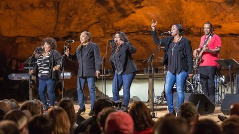 """The McCrary Sisters perform """"Help Me"""""""