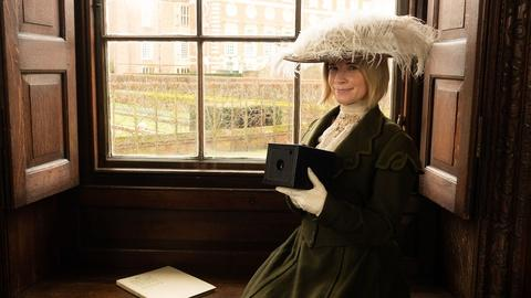 Lucy Worsley's Royal Photo Album -- Preview