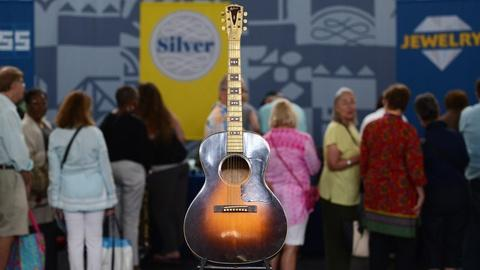 Antiques Roadshow -- S21 Ep13: Appraisal: 1934 Gibson LC Acoustic Guitar