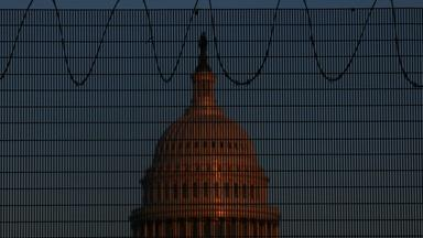 News Wrap: Capitol police tighten security for lawmakers