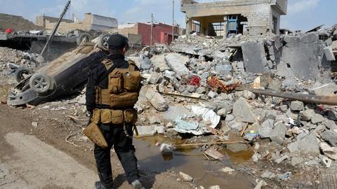 PBS NewsHour -- News Wrap: Pentagon confirms March airstrike killed civilian