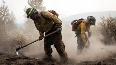 News Wrap: Firefighters contain 80% of Oregon Bootleg Fire