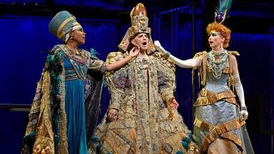 """Anthony Roth Costanzo Sings """"Hymn to the Sun"""" from Akhnaten"""
