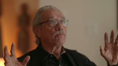 Edward James Olmos on Raúl Juliá