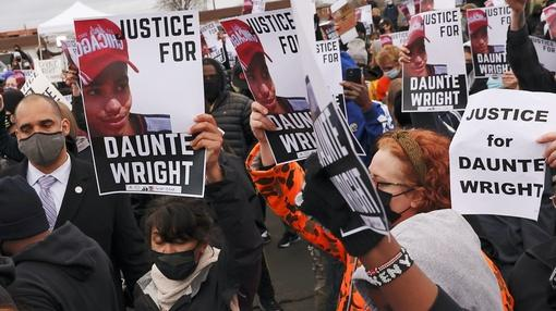 PBS NewsHour : Minnesota on edge after the police killing of Daunte Wright