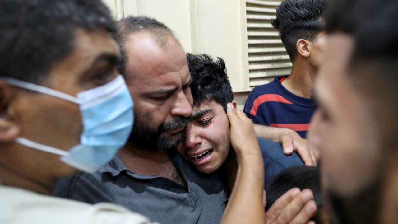 News Wrap: Roadside bombings kill at least 13 in Afghanistan