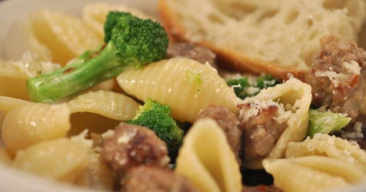 df24b9375931f1 Pasta with Broccoli   Italian Sausage in a Butter Sauce