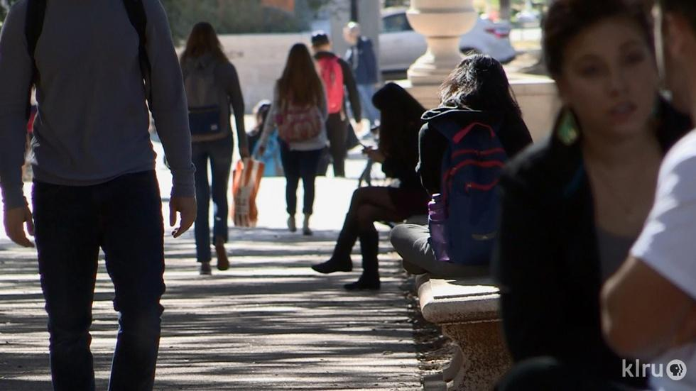 UT Working to Help Low-Income Students Graduate image