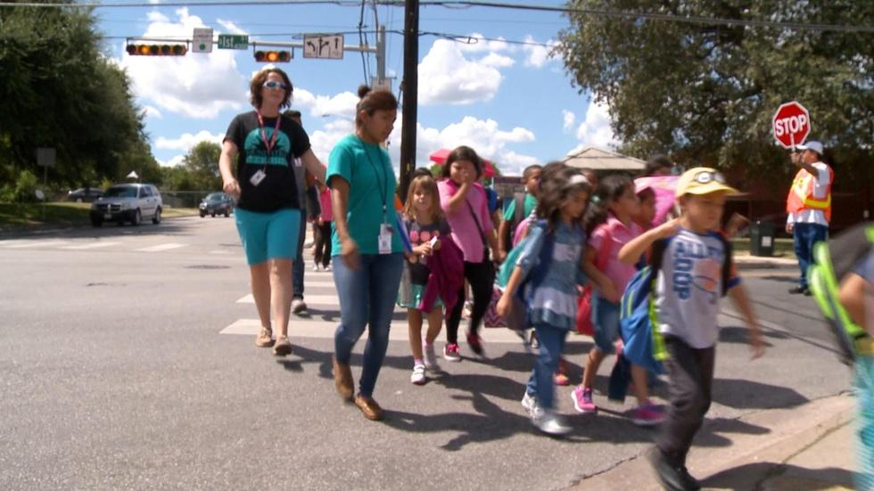 The St. Elmo Program Helps Students from Pre-K to College image