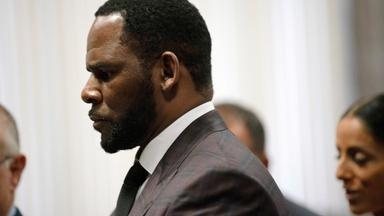ury begins deliberations in R. Kelly case