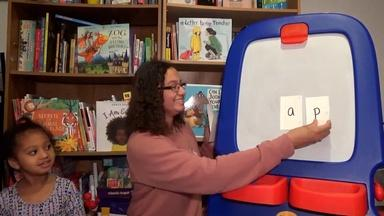 MAKING WORDS WITH SHORT A AND SHORT I - Spanish Captions