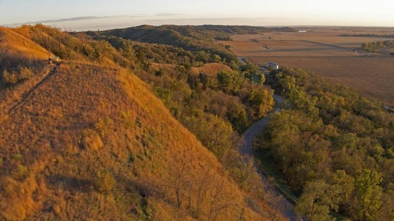 Iowa PBS Documentaries: Iowa Land and Sky: Loess Hills And Prairies