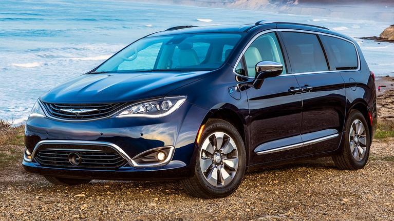 MotorWeek: 2018 Chrysler Pacifica Hybrid & 2019 Chevrolet Silverado