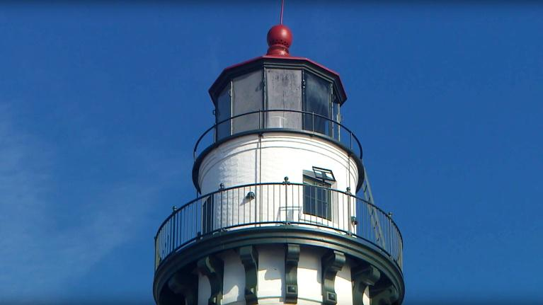 Outdoor Wisconsin: Outdoor Wisconsin #3506 - Wind Point Lighthouse/Allen Garden