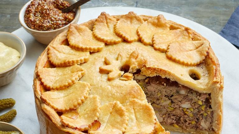 Martha Bakes: Embellished Pies