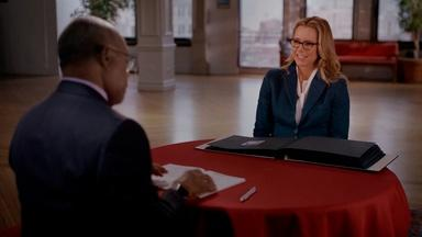 Téa Leoni Learns More About An Unknown Grandmother