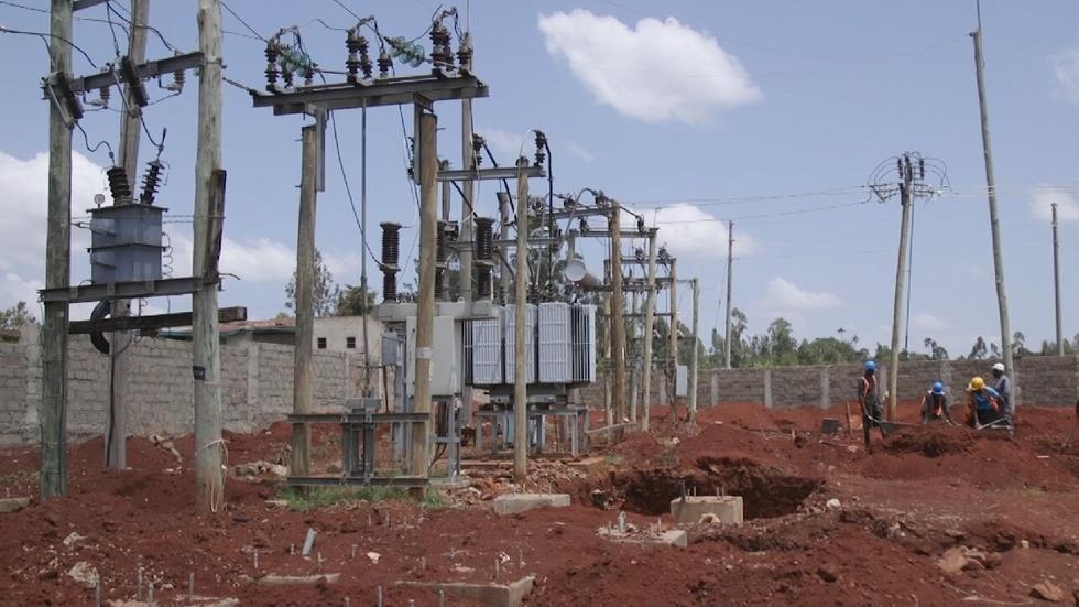Kenya races toward goal of electrifying every household image
