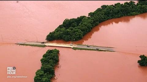 PBS NewsHour -- News Wrap: Severe storms strike Southern Plains states