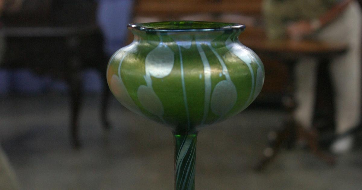 Appraisal Loetz Flower Form Vase Ca 1905 Antiques Roadshow Pbs
