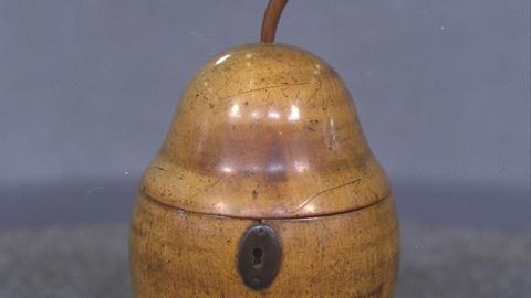 Antiques Roadshow -- S21 Ep19: Appraisal: English Pearwood Tea Caddy, ca. 1795