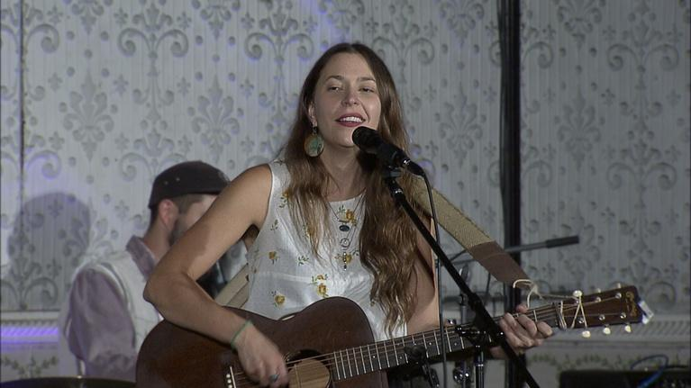 LIVE from The Old Steeple: Lindsay Lou