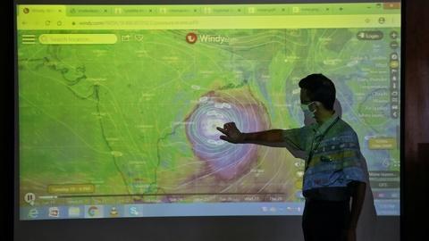 News Wrap: India, Bangladesh brace for tropical cyclone