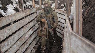 Thousands of Russian troops amass on Ukraine's border