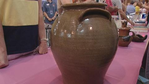 Antiques Roadshow -- S21 Ep25: Appraisal: 1840 David Drake Pot