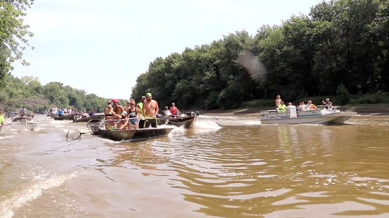 """Jay's Chicago: """"Redneck Fishing"""""""
