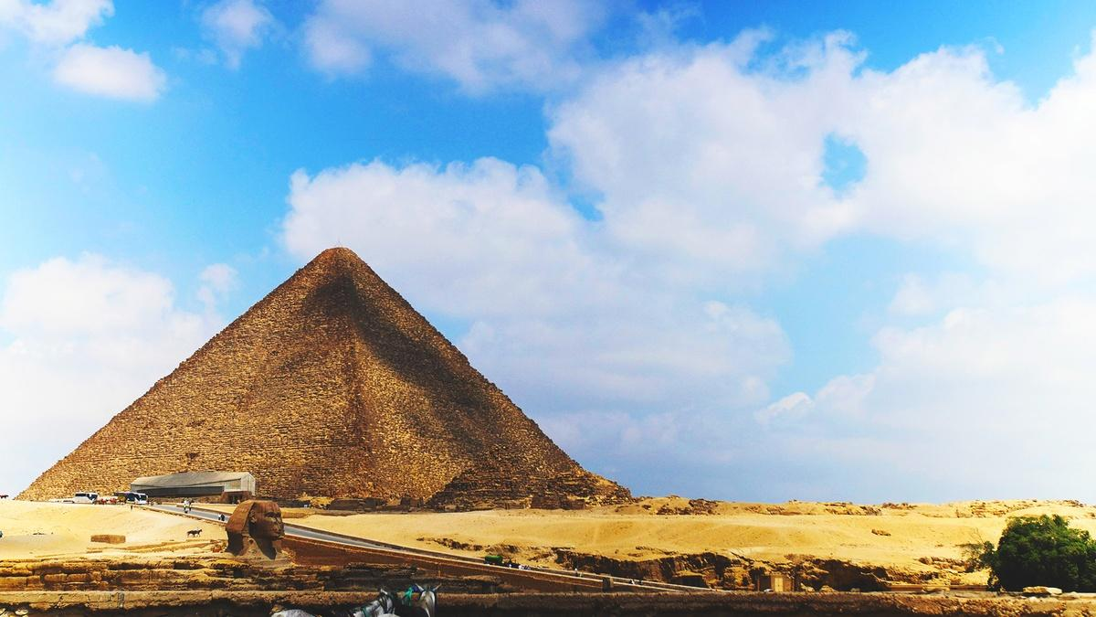 S46 E4: Decoding the Great Pyramid   NOVA