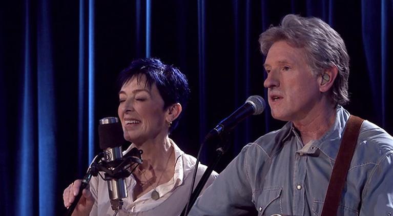 Music Gone Public: Nell Robinson & Jim Nunally Band