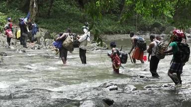 A dangerous migration route and a chance encounter