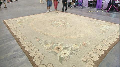 Antiques Roadshow -- S21 Ep24: Appraisal: Large American Hook Carpet, ca. 1920