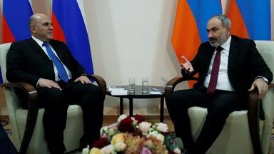 News Wrap: Russia attempts to stop Nagorno-Karabakh fighting