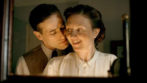 Home Fires - Masterpiece -- S2 Ep4: Scene