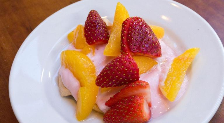 LiveFIT NH: LiveFIT NH Recipe Minute with Eileen Behan | Fruit Meringue