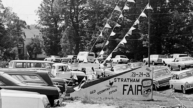Stratham | Setting up the Stratham Fair