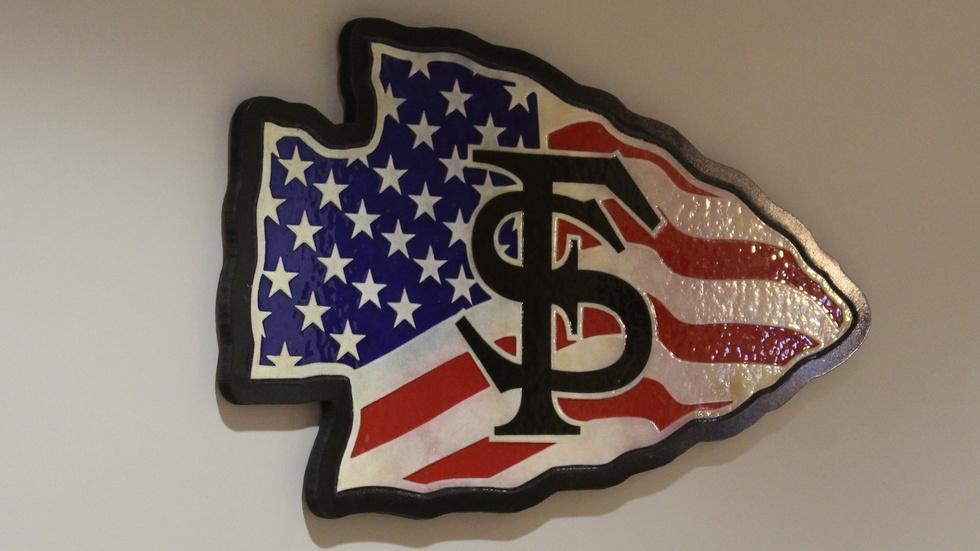 Artwork Symbolizes Support for Student Veterans image