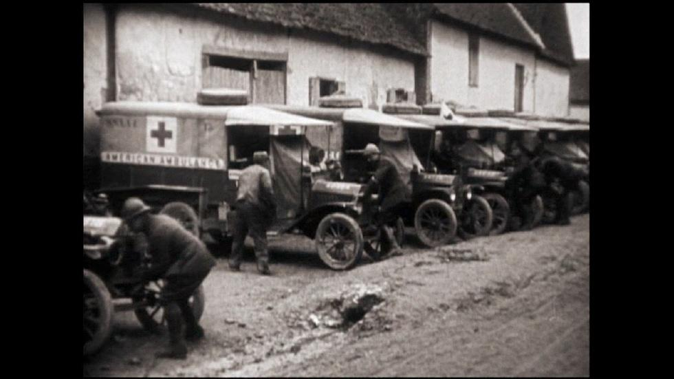 Model T's to War: American Ambulances on the Western Front image