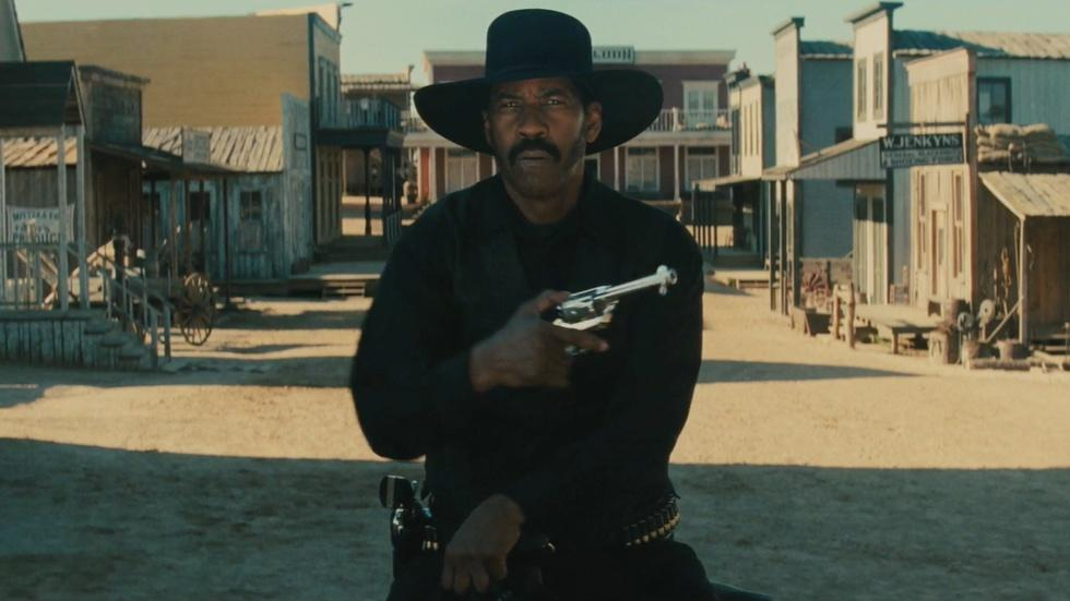 """Antoine Fuqua and Denzel Washington for """"The Magnificent 7"""" image"""